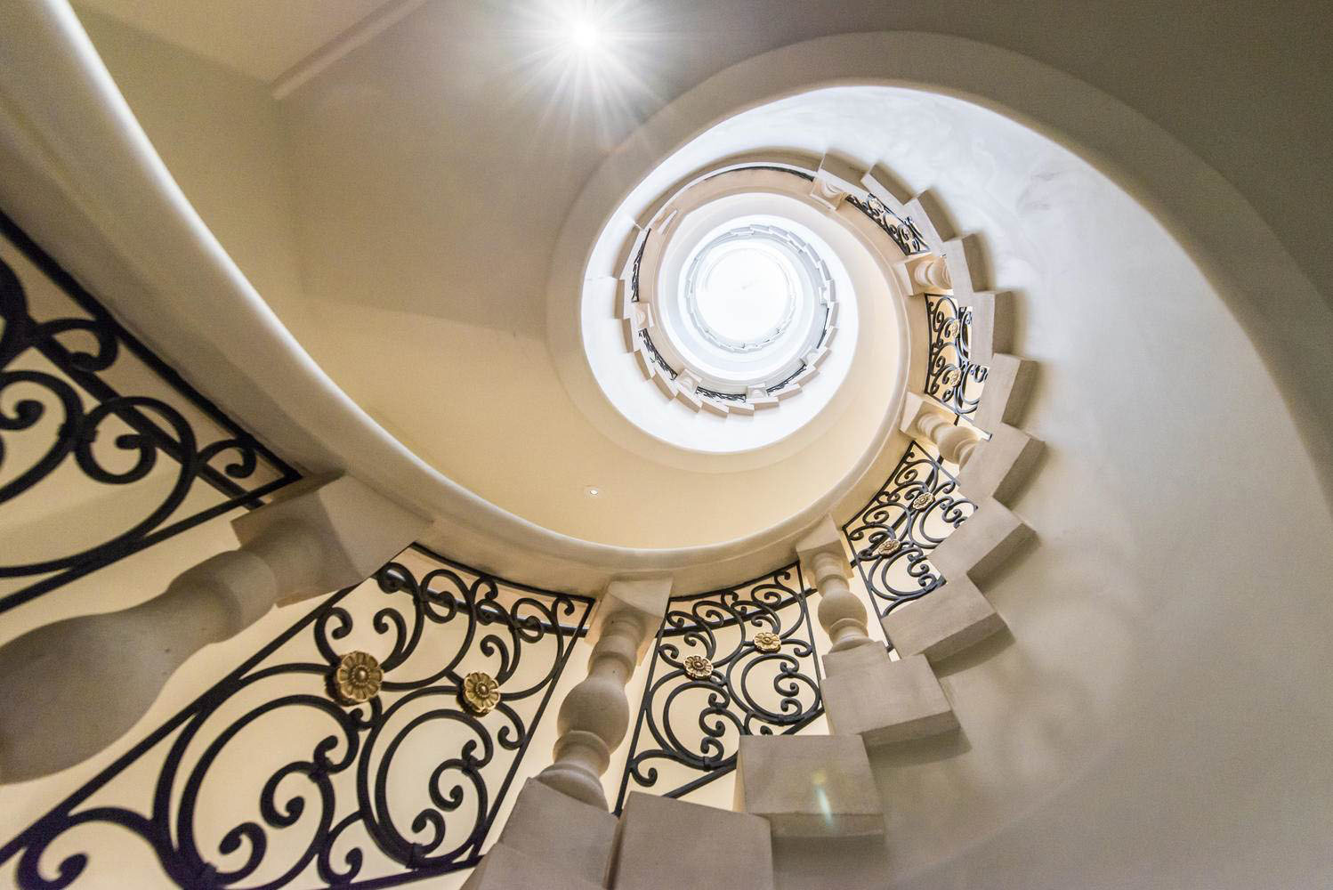 Luxury Grand Spiral Staircase