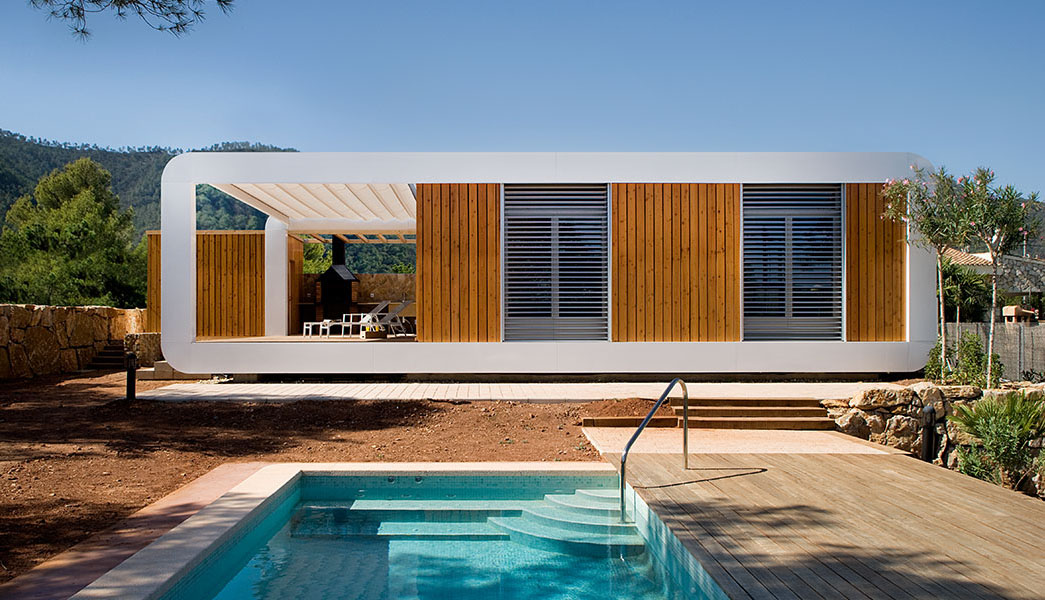 Modern smart country house combines two prefabricated for Modular pool house