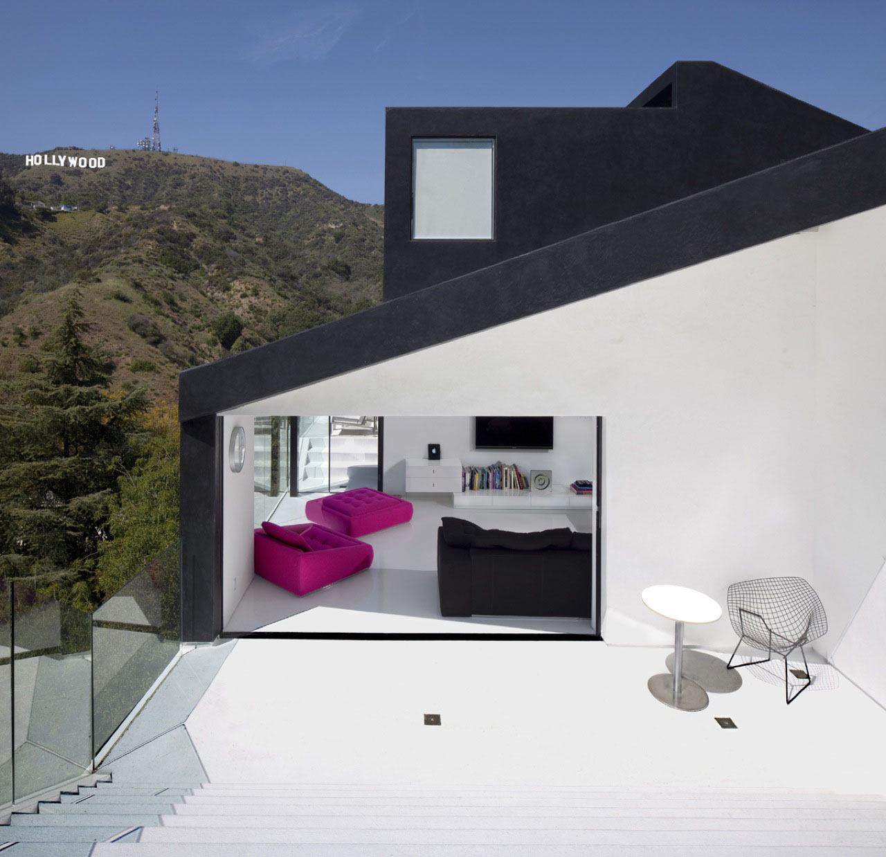 Abstract minimalist house in hollywood hills idesignarch for Minimalist house california