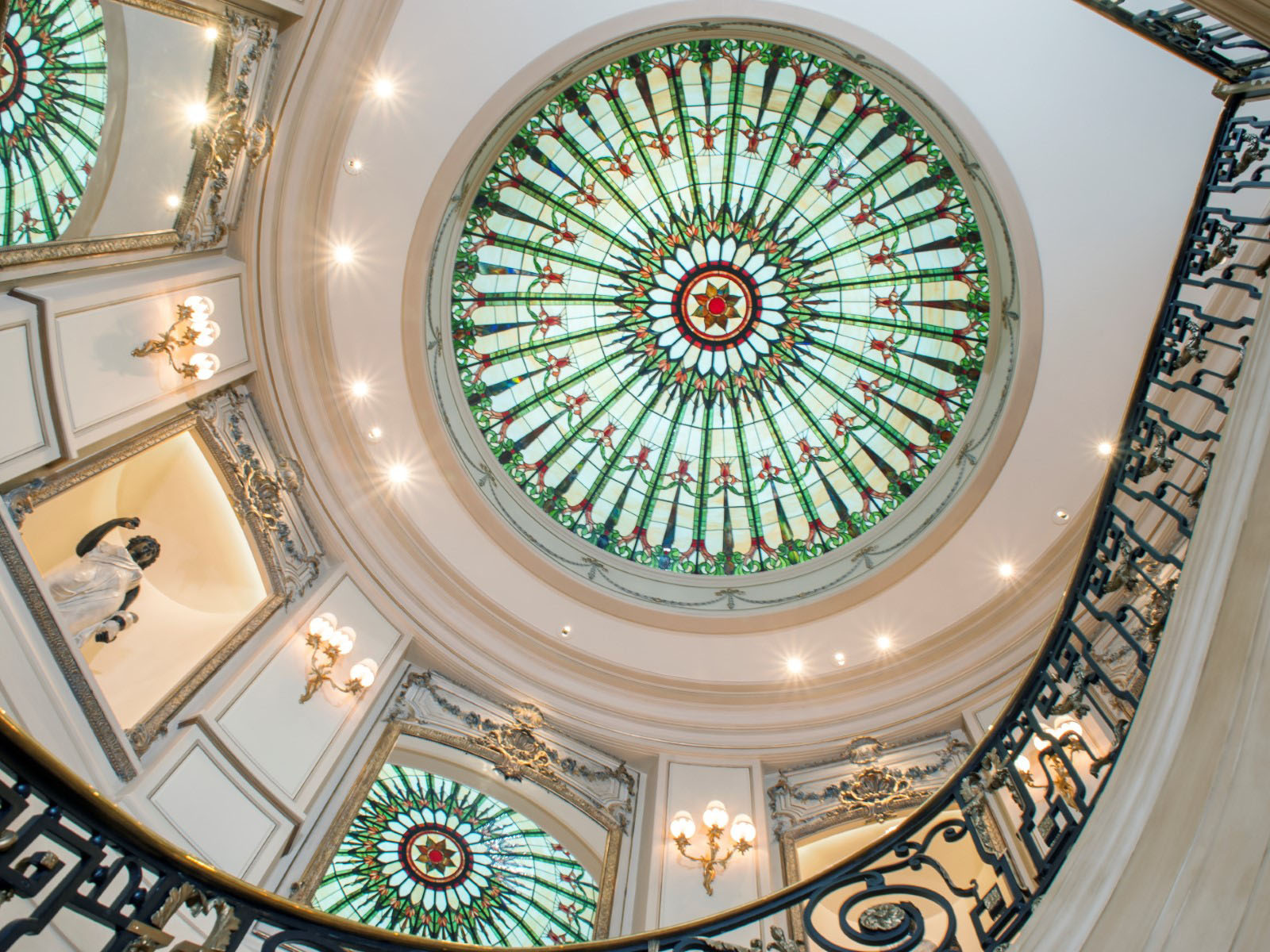 Luxury Home Dome Ceiling