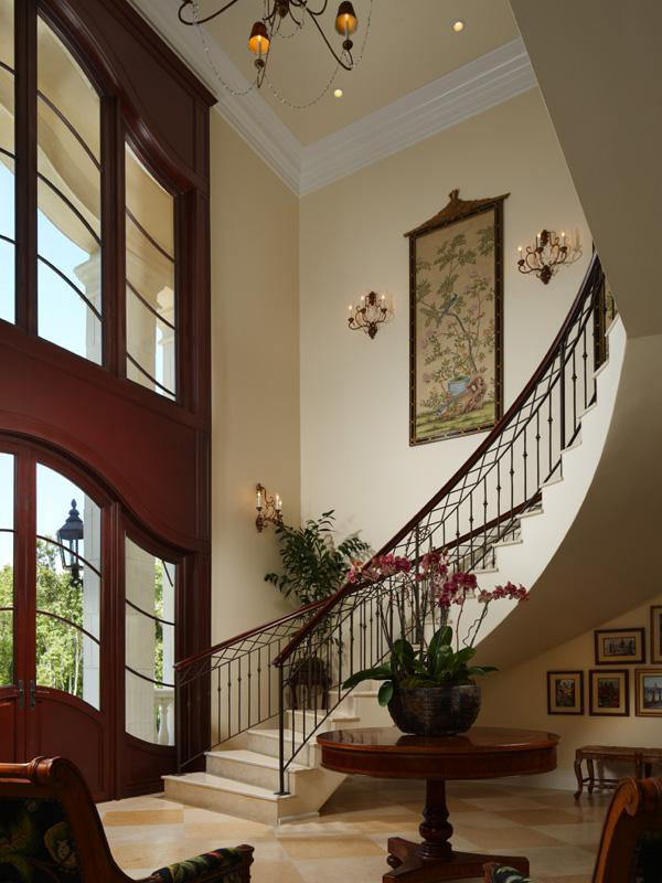 Luxury-Home-Spiral-Staircase