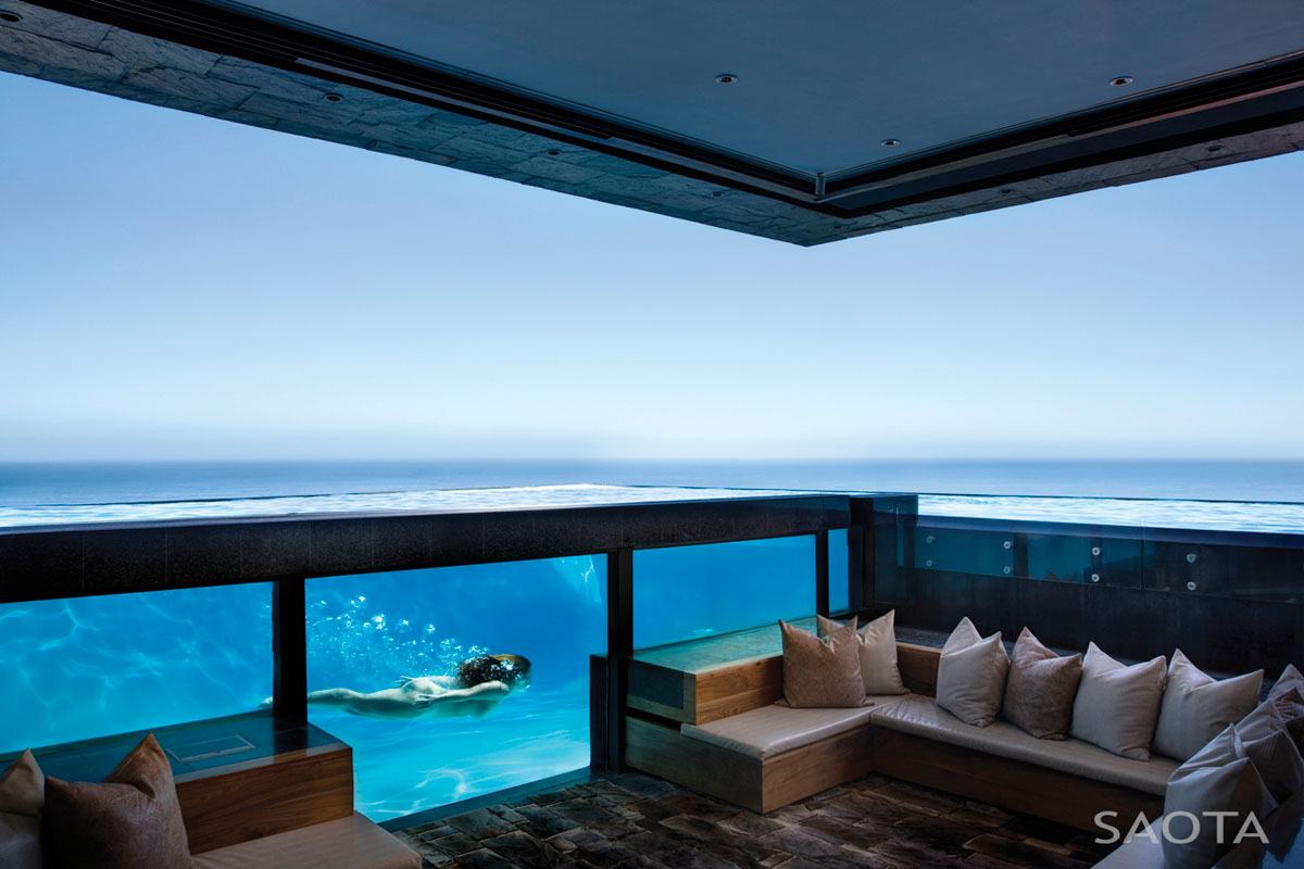 Amazing Oceanfront House With Transparent Swimming Pool