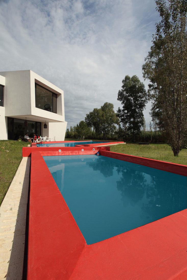 Architect: Andrés Remy Arquitectos