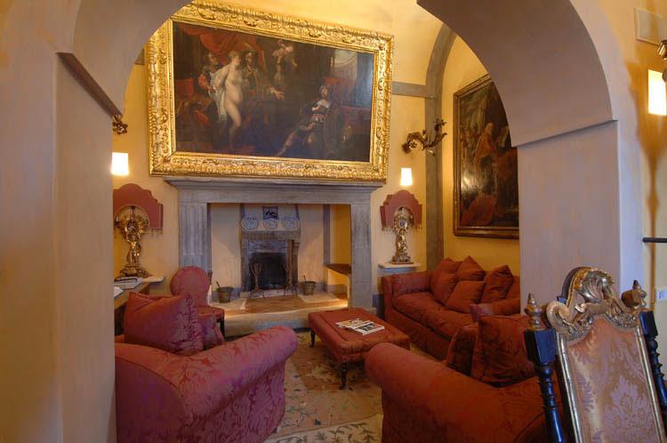 Palazzo positano a luxury baroque style villa for Baroque living room ideas