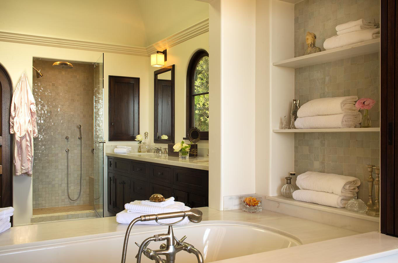 Spanish colonial beach house in santa monica idesignarch for Spanish style bathroom