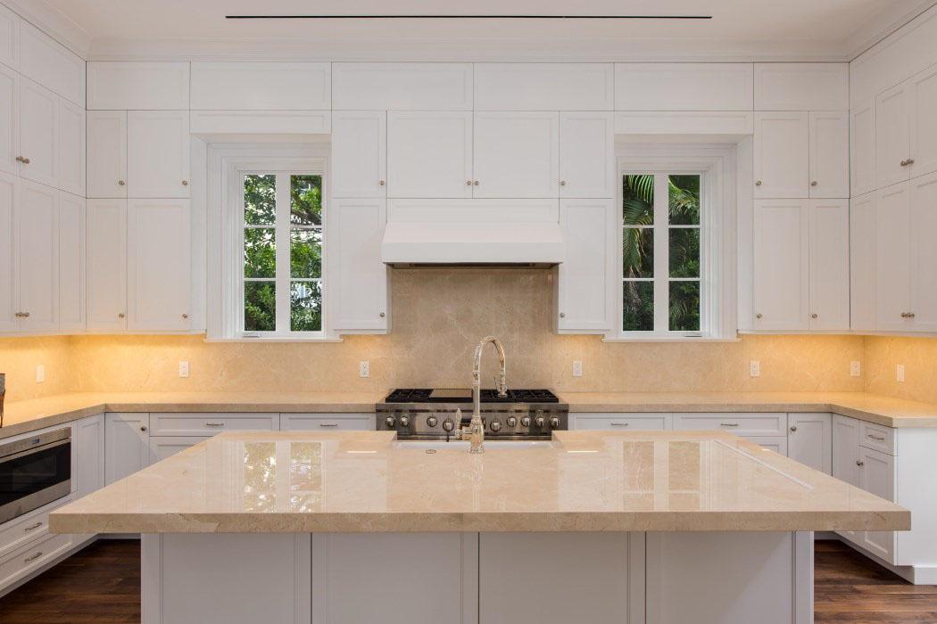 Elegant Luxury White Kitchen Design