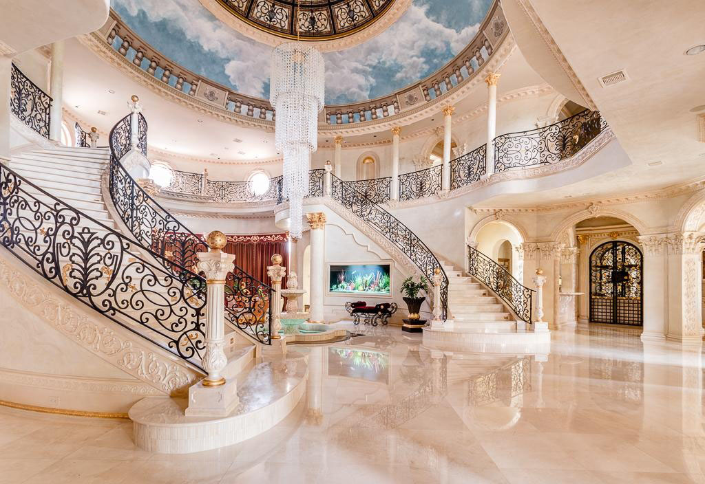 A majestic venetian style mansion in texas idesignarch for Mansion foyer designs