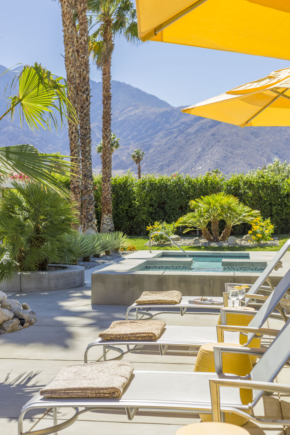 Palm Springs Home Channelling The Hollywood Regency Look