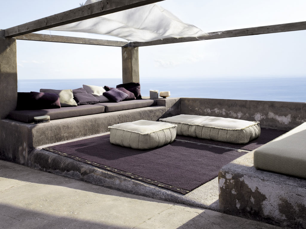 modern furniture with a touch of purple by paola lenti. Black Bedroom Furniture Sets. Home Design Ideas