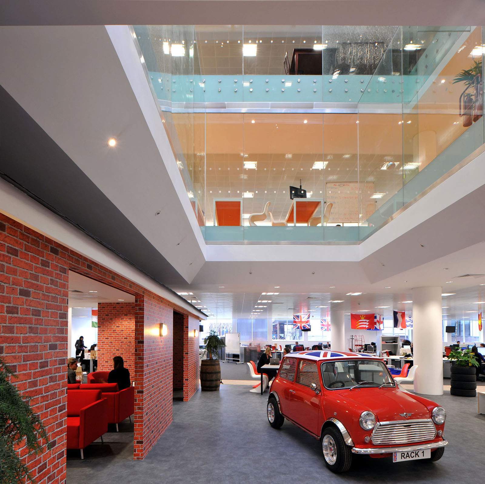 Inspiring British Office Interior Design At Rackspace ...