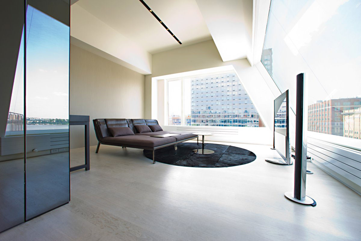 Remodelled rooftop apartment in new york idesignarch for Interior designs new york