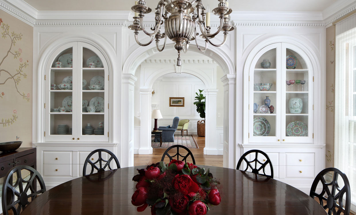 Crown moulding dominates this updated neoclassical - Federal style interior decorating ...