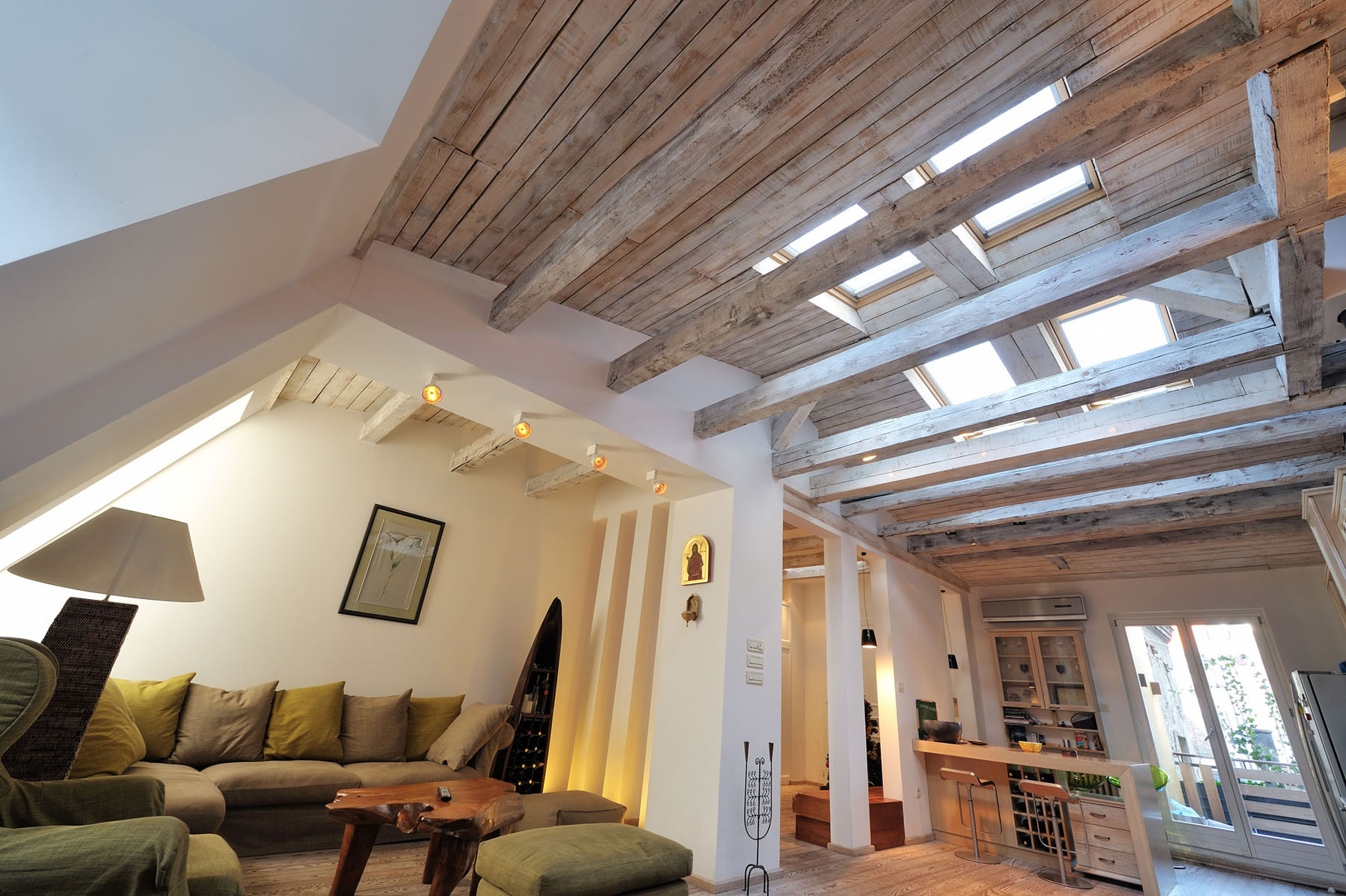 Attic Apartment with Woodbeams