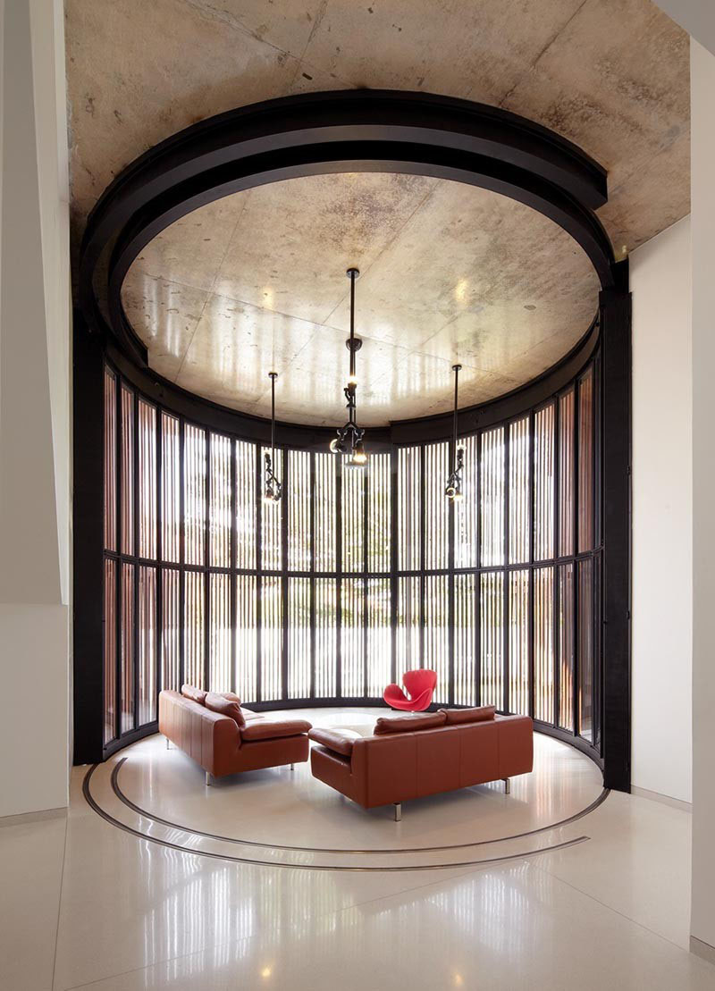 Contemporary Circular Living Room