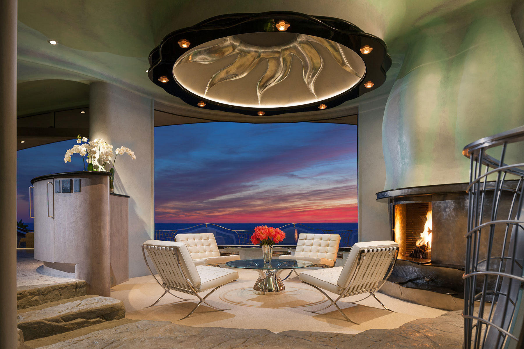 Contemporary Oceanfront Luxury Home