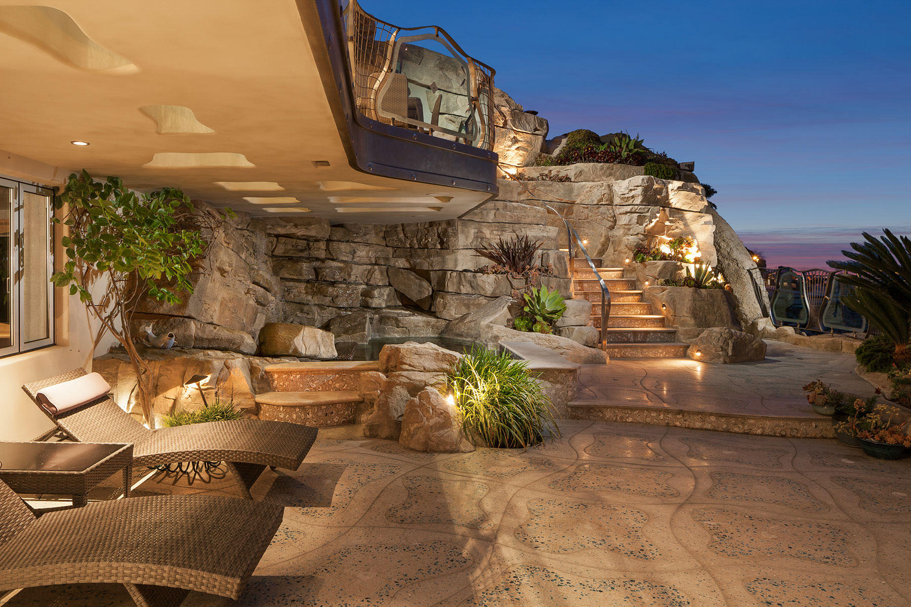 Whimsical rock house in laguna beach idesignarch for Houses in laguna beach