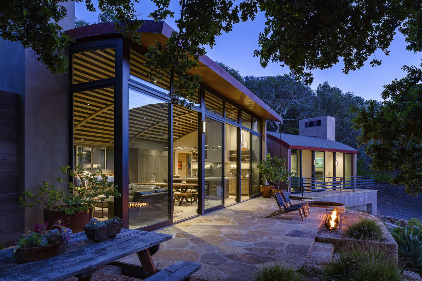 Rustic modern country house in santa barbara with curved for Modern rustic home plans