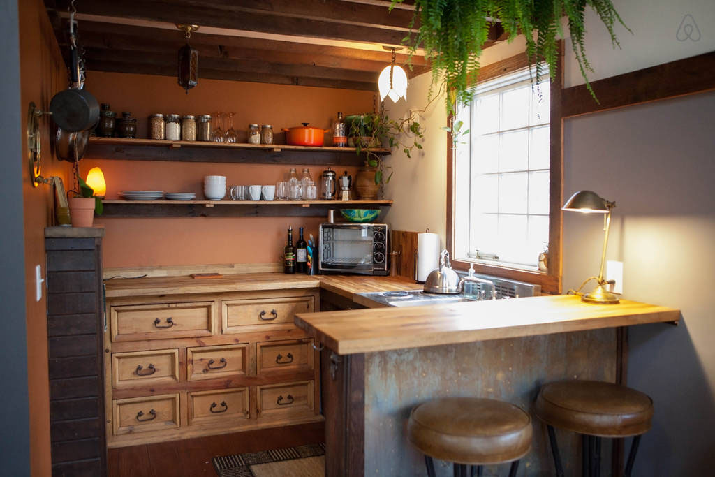 Cozy rustic tiny house with vintage decor idesignarch for Kitchen designs for small houses