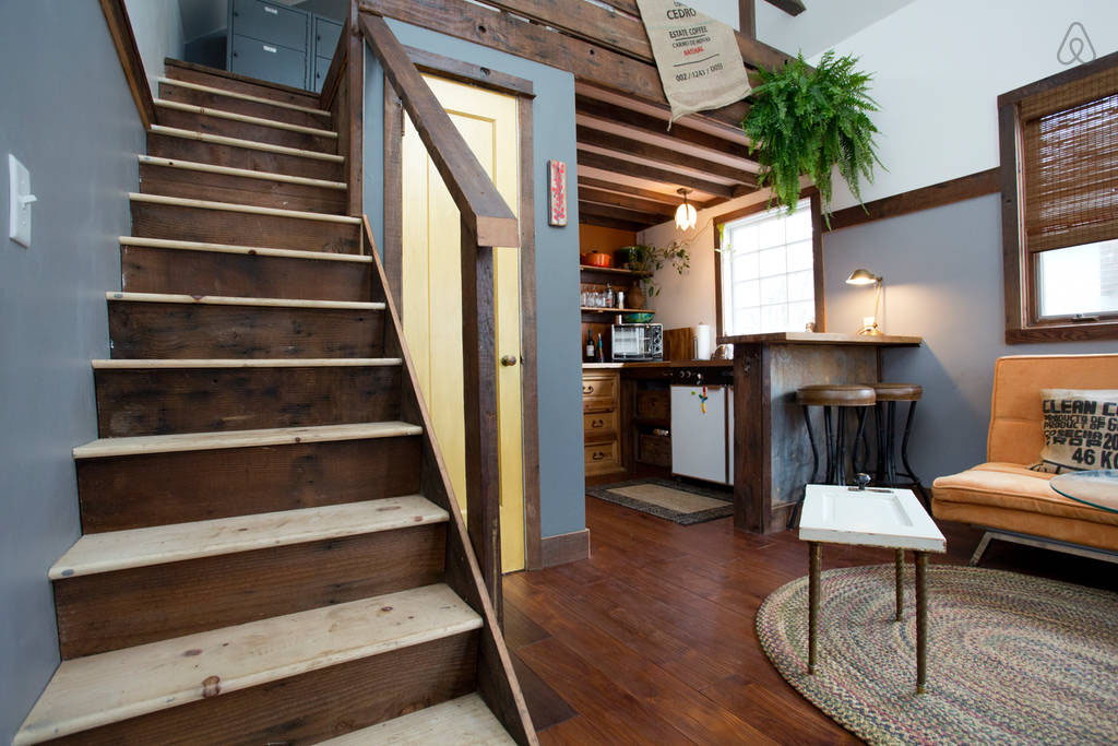 Modern Tiny House Interior: Cozy Rustic Tiny House With Vintage Decor