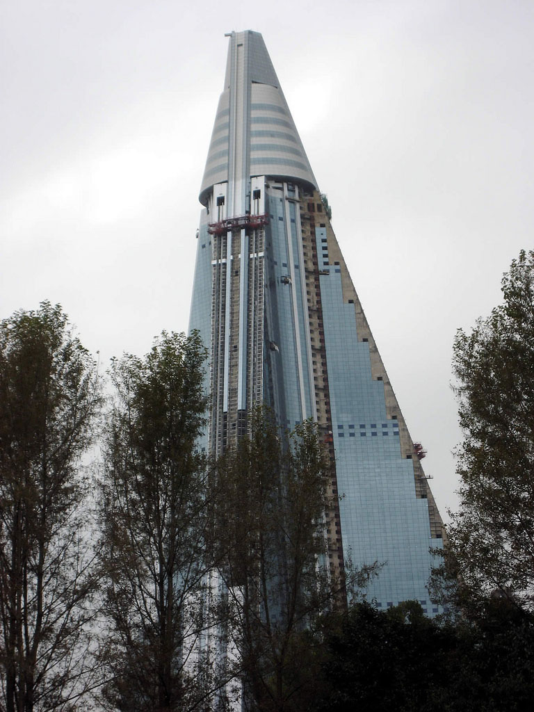 Ryugyong hotel interior - Sources Wikipedia