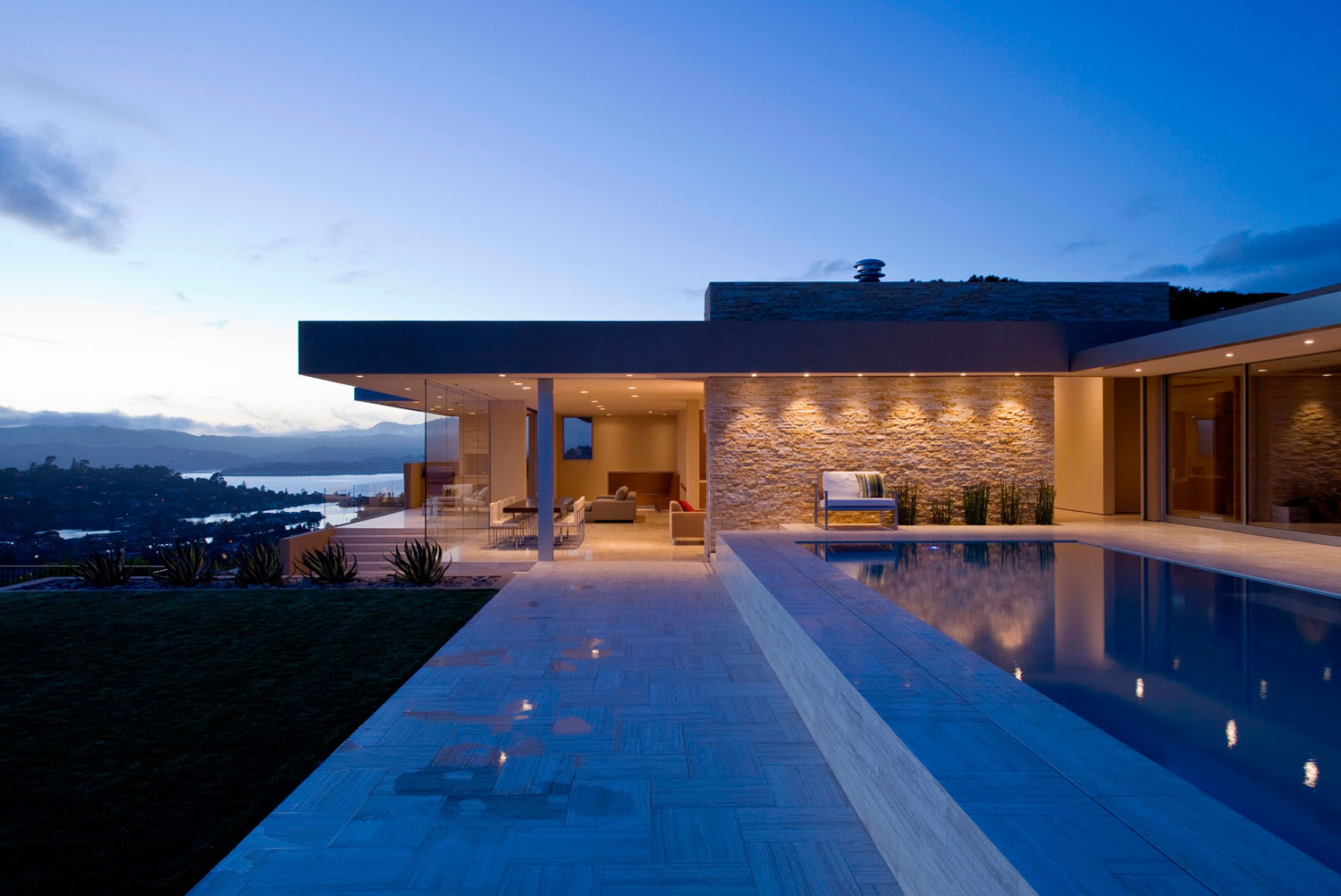 Stunning contemporary home with view of san francisco bay for Top 50 modern house design