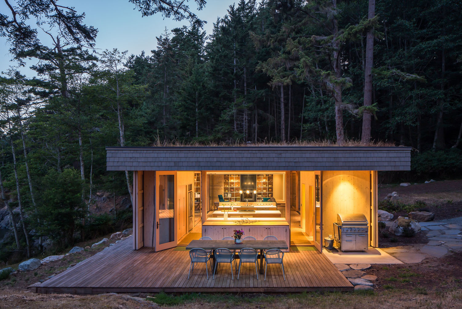 San Juan Islands Modern Seaside Cabin_3