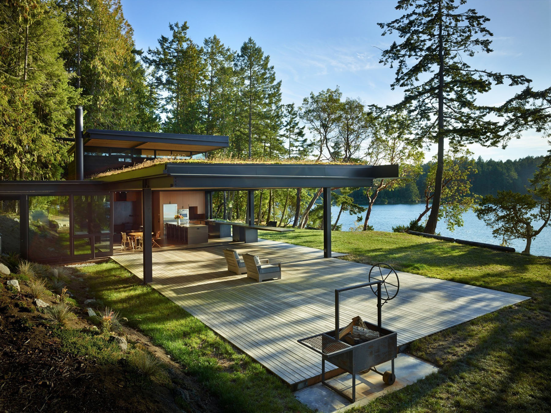Secluded Waterfront Retreat In The Pacific Northwest | iDesignArch ...