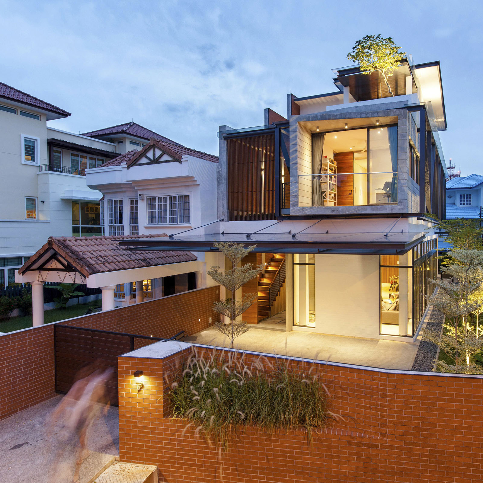 A semi detached house in singapore connects to its Interior design idea for semi d house
