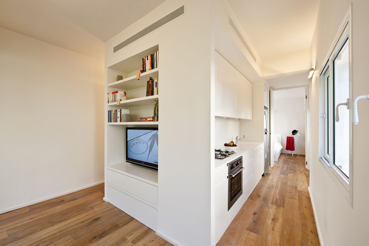 Small apartment in tel aviv with functional design for Apartment renovation plans