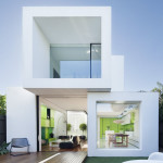 House Extension Links Minimalist White Cubes With Victorian Façade