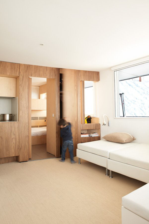 Efficient modern ski resort apartment idesignarch for Design hotel ski