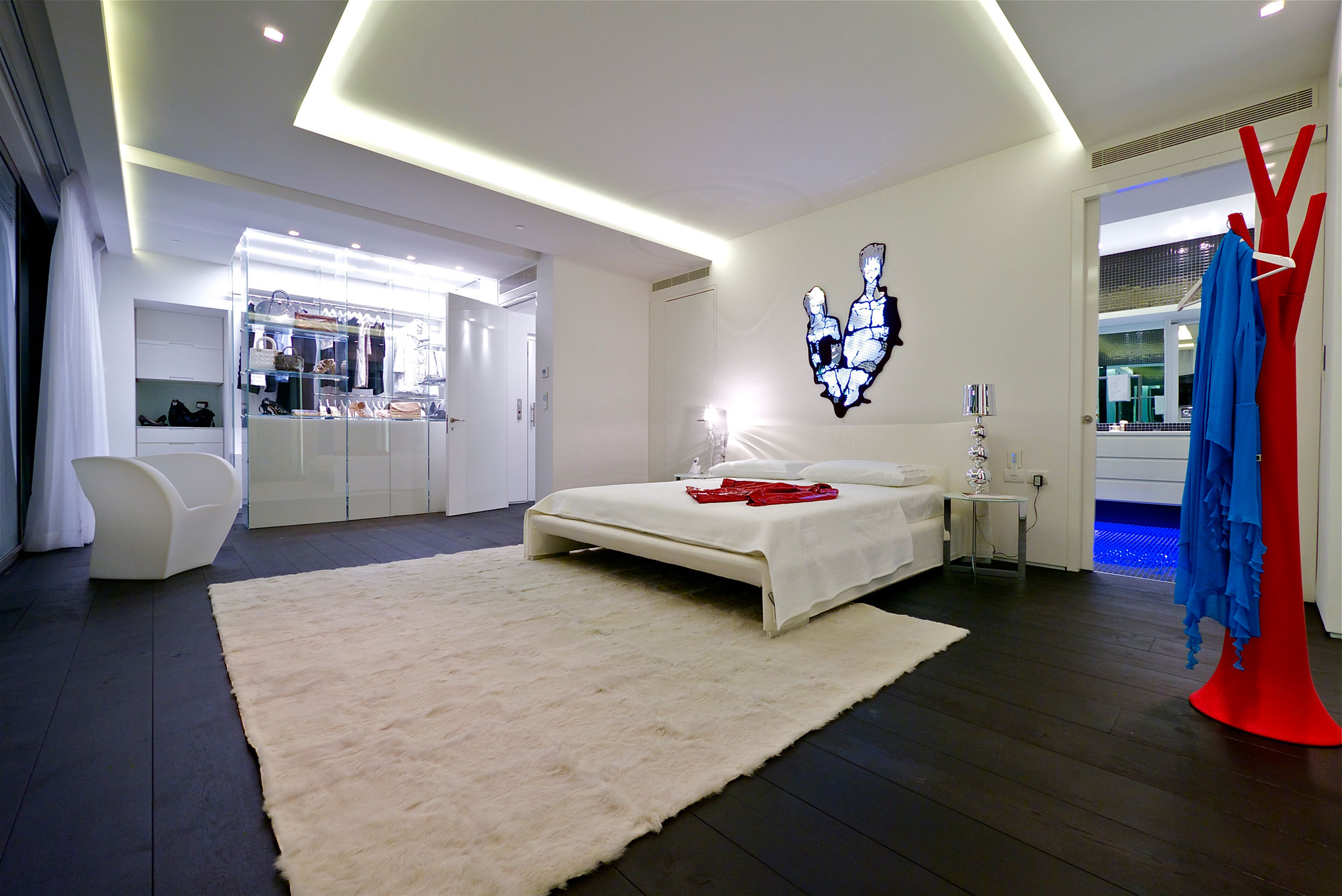 Stunning penthouse with private rooftop swimming pool for Best bedroom designs ever