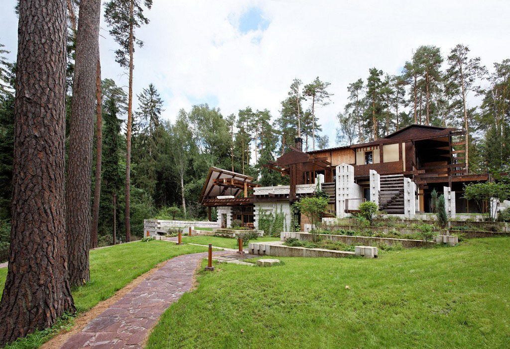 Interesting country cottage design in russia idesignarch for Cottage architecture