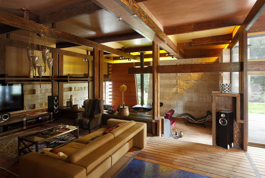 Interesting country cottage design in russia idesignarch - Chalet en bois interieur ...