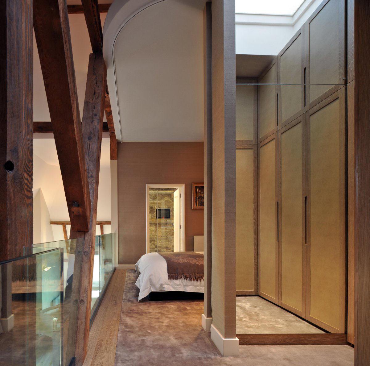 The Debonair Penthouse By A London Interior Designer: Contemporary London Penthouse Apartment In A Grade I