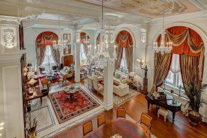 Opulent Duplex Condo Apartment