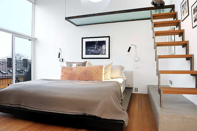 Bedroom Loft Bed with Closet
