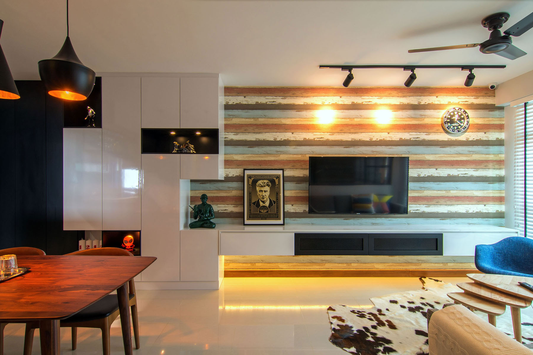 Cozy apartment in singapore with stylish elements for Simple modern interior design
