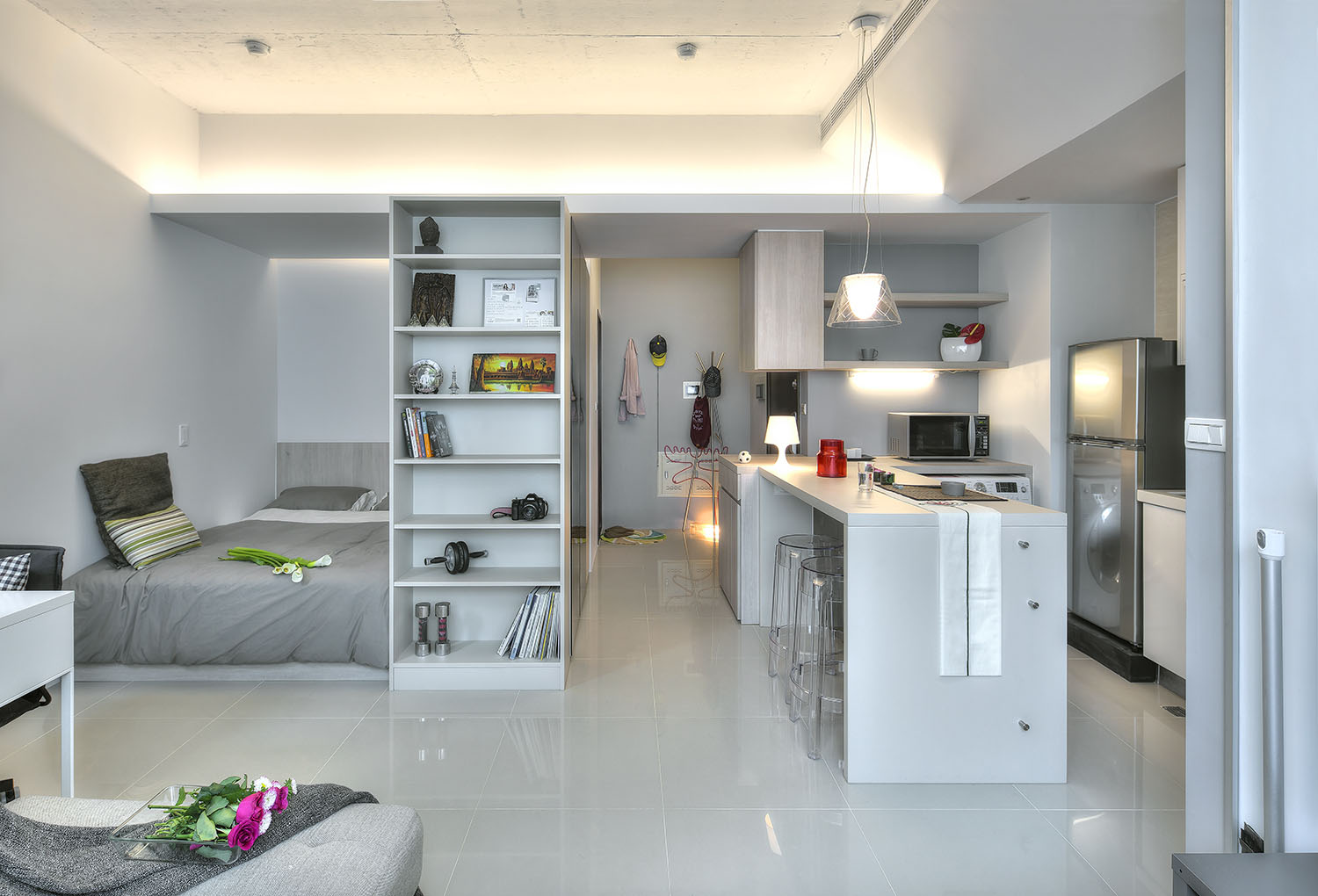 Small taipei studio apartment with clever efficient design for Modern studio apartment ideas