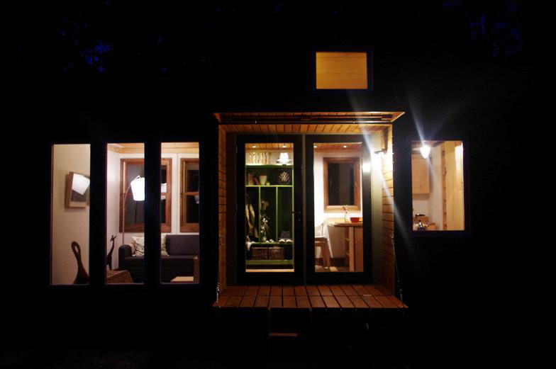 Rustic Modern Tiny House For Tall People | iDesignArch ...