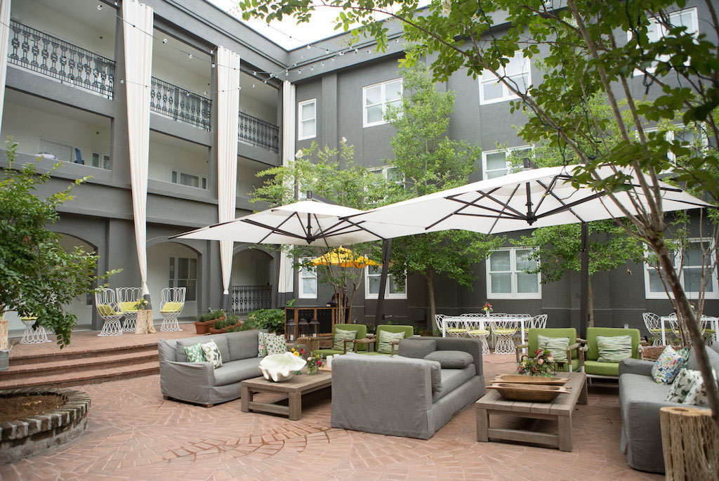 Hotel Patio Courtyard