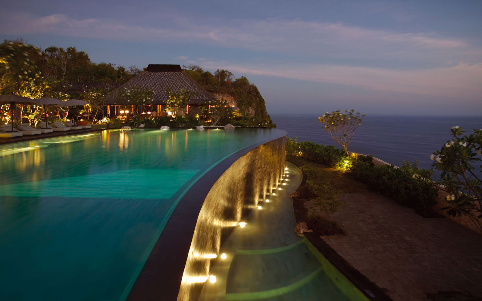 Travelling bali bali 39 s leading tourist information for Best hotels in bali