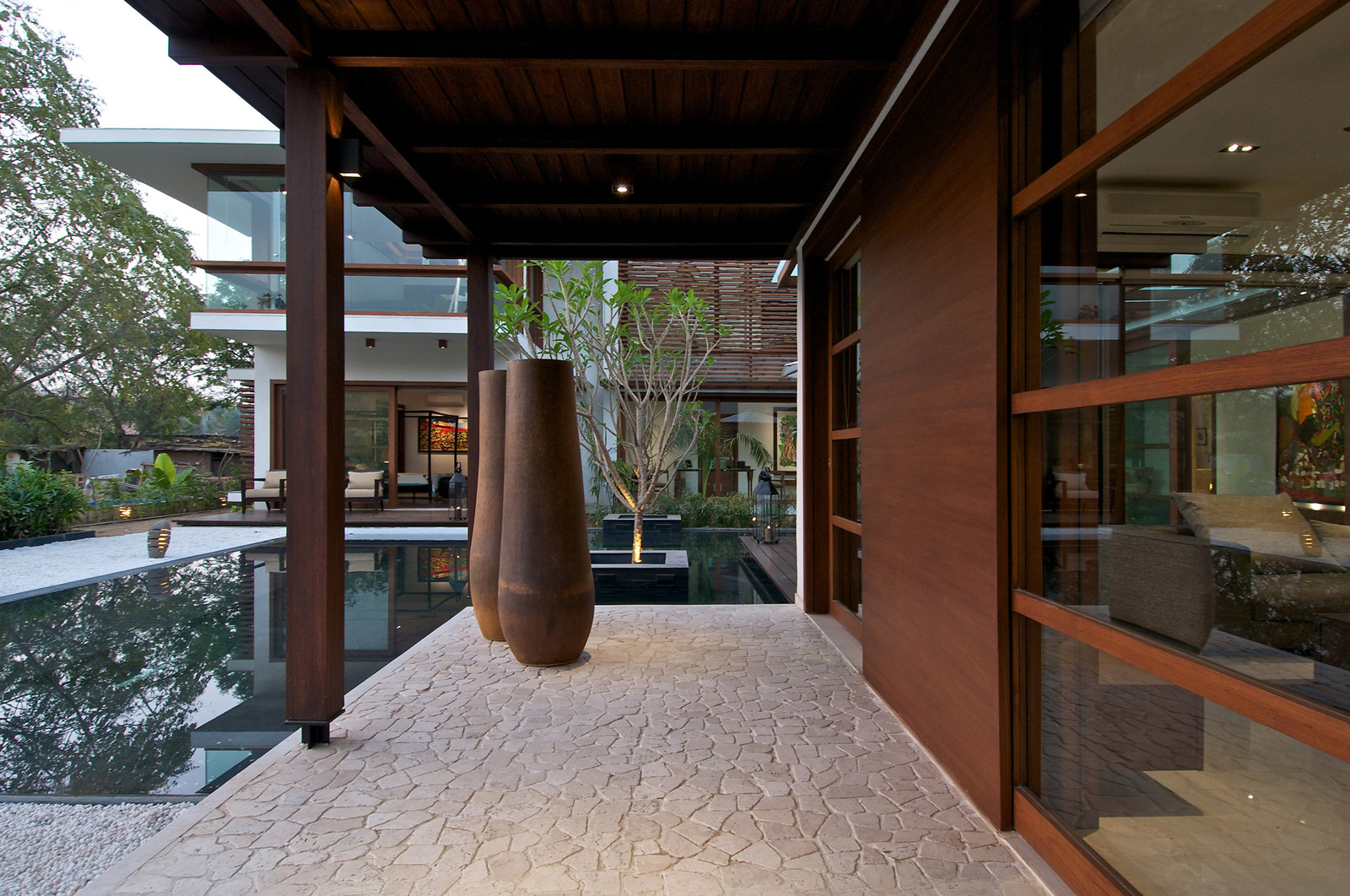 timeless contemporary house in india with courtyard zen garden, Best garten ideen