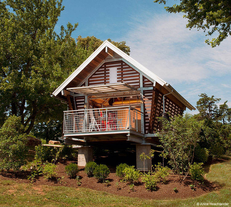 Eco Friendly Home House Design: Environmentally Responsible Prefabricated Shelters