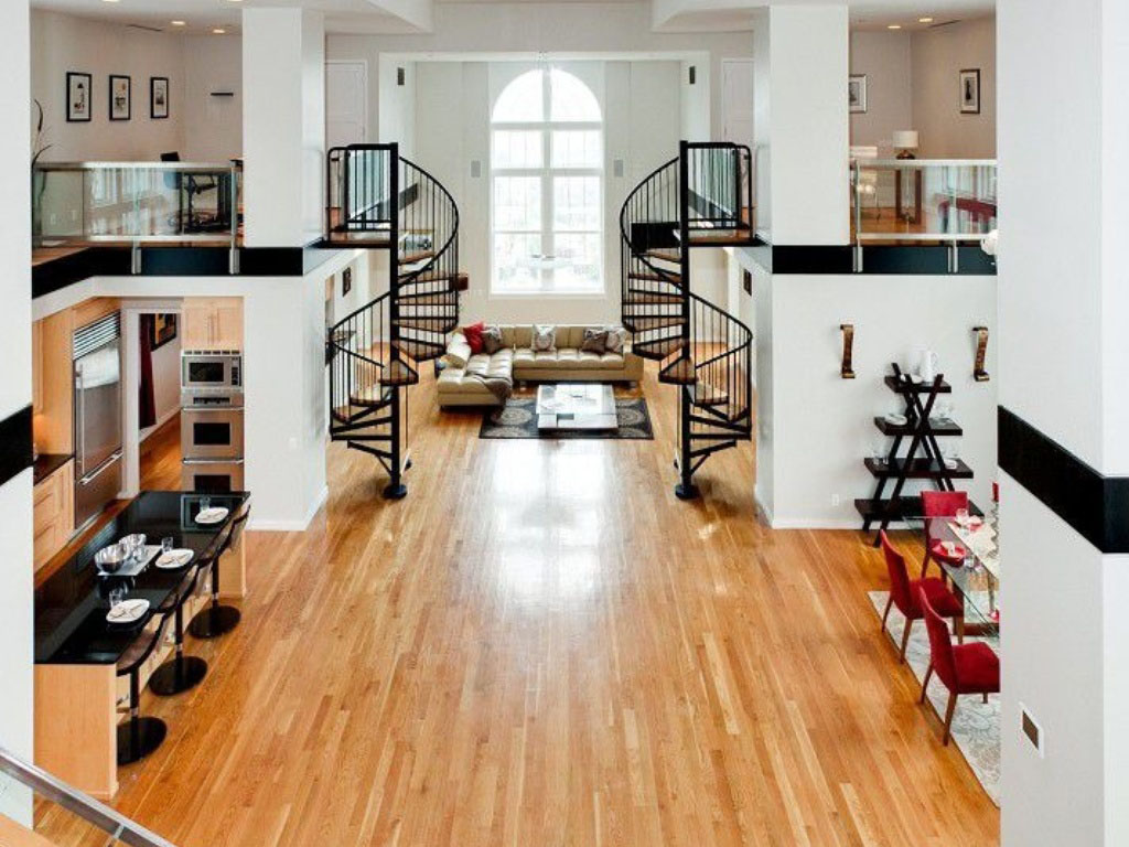 Penthouse Loft Apartment with High Ceiling