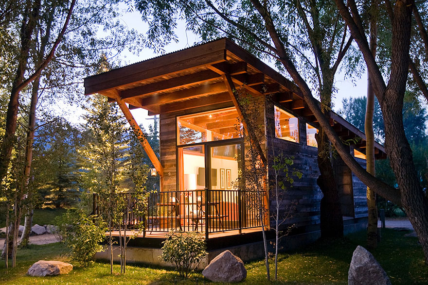 Fabulous Luxury Turnkey Tiny Cabin Combines Rustic And Modern Aesthetic Largest Home Design Picture Inspirations Pitcheantrous