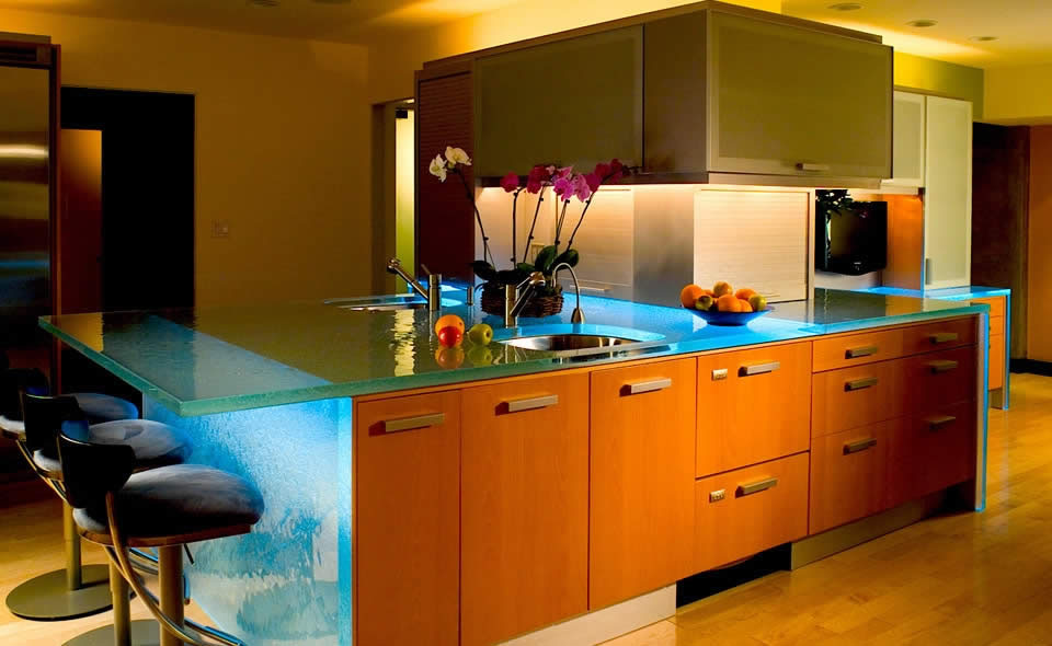 Glass Kitchen Countertops By Thinkglass Kitchen Design Blending