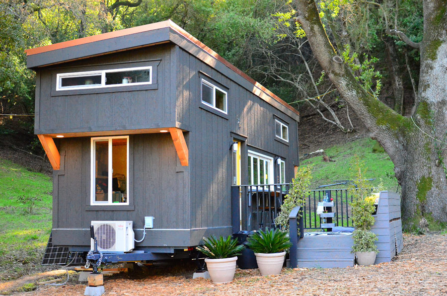 tiny house on wheels with indoor outdoor entertaining. Black Bedroom Furniture Sets. Home Design Ideas