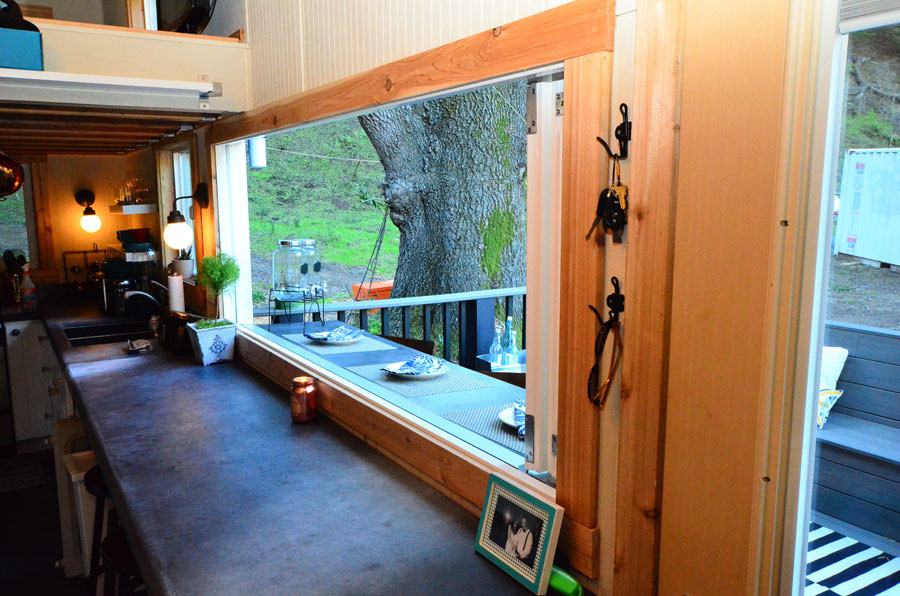 Wondrous Tiny House On Wheels With Indoor Outdoor Entertaining Spaces Largest Home Design Picture Inspirations Pitcheantrous