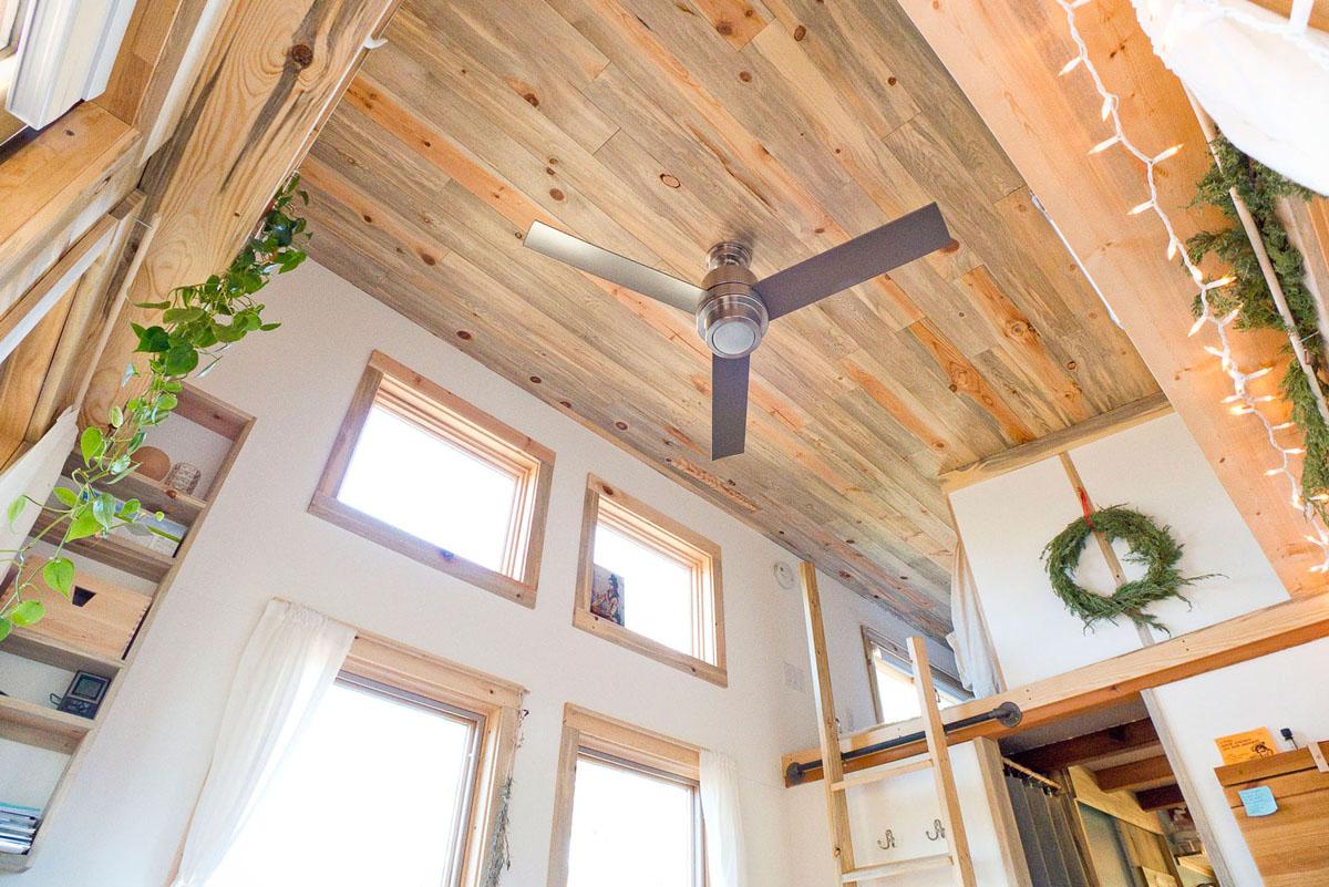 Pine Wood Ceiling